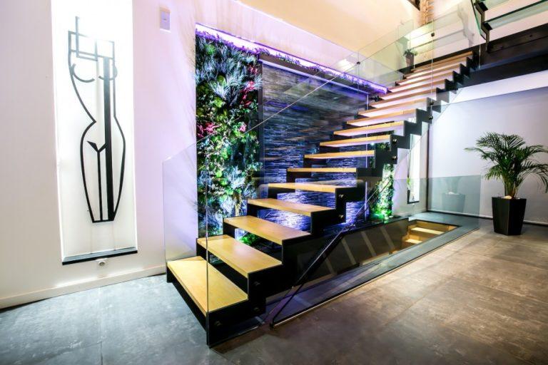 Mur d'eau intérieur en verre, mur d'eau végétal